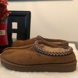 UGG SLIPPERS WOMENS SIZE 8